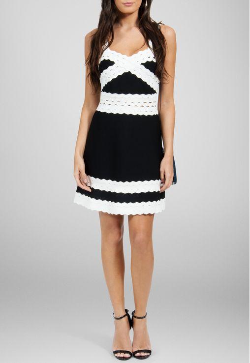 vestido-rebeca-curto-bandagem-powerlook-preto-e-branco