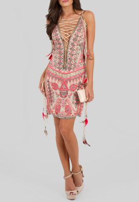 vestido-shangrila-curto-todo-bordado-com-penas-powerlook-nude-e-rosa