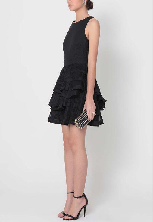 vestido-zena-curto-com-saia-de-babados-aurea-prates-preto