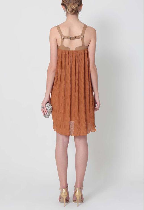 vestido-morian-curto-amplo-plissado-juliana-jabour-caramelo