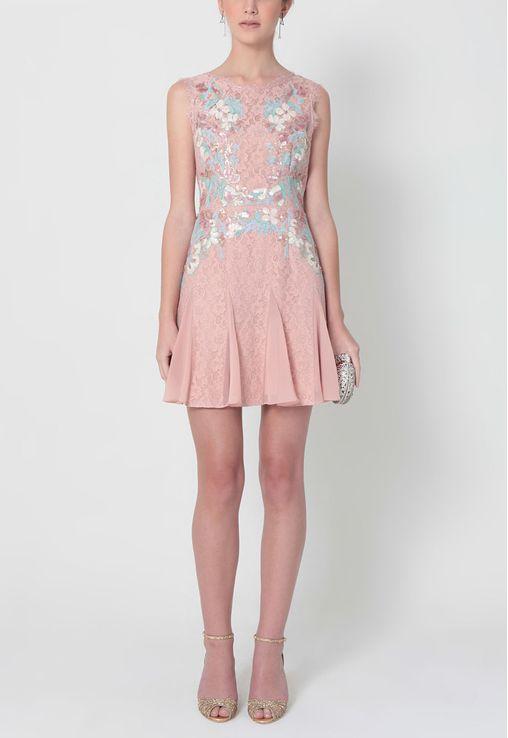 vestido-lorena-curto-e-renda-bordado-bcbg-rosa
